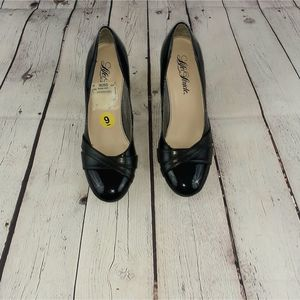 Life Stride Adara Patent Leather Round Toe Size 9